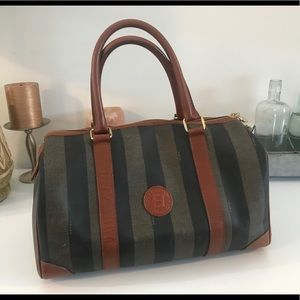 Amazing vintage Pequin  Boston Bag